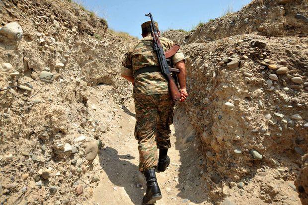 Erməni taborunun şəxsi heyəti müdafiə mövqelərini tərk edərək qaçır -