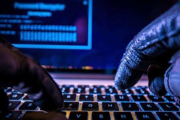 Hakerlər koronavirus peyvəndini istehsal edən şirkətlərin fayllarını ələ keçirməyə çalışır