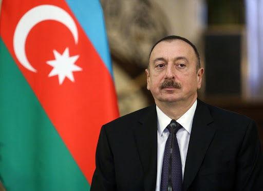 Prezident Xudafərin körpüsündə bayrağımızın qaldırılması münasibətilə Elçin Quliyevi təbrik etdi