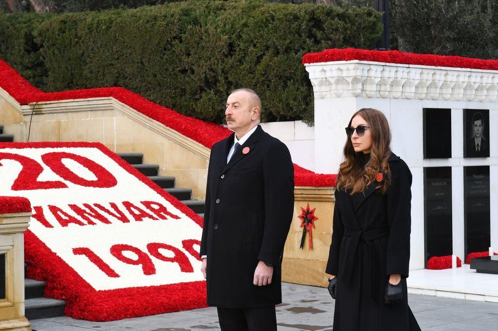 Prezident və birinci xanım Şəhidlər xiyabanını ziyarət edib - FOTOLAR